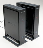NETGEAR 3DHD WIRELESS HOME THEATER NETWORKING KIT