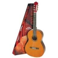 Yamaha C40PKG Gigmaker Acoustic Classical Guitar Package - Natural Finish