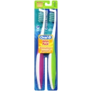 Oral-B CrossAction Regular Head Toothbrush, Soft 2 ea