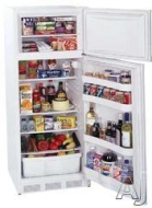 Summit Freestanding Top Freezer Refrigerator CP133