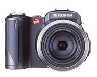 Fujifilm digital camera goes manual