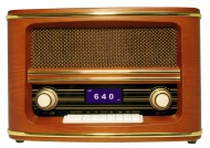 Wolverine RSR100 Retro Table Top Bluetooth Speaker and AM/FM Radio